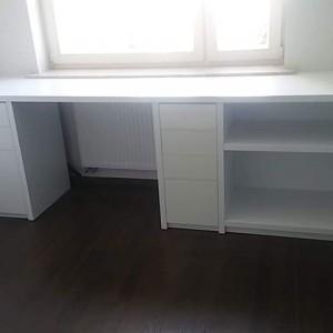 biurko białe drewniane